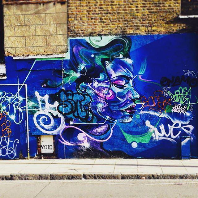 Graffiti par MrCenzone - Hoxton