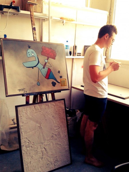 Louis, l'un des fondateurs, dans leur atelier © The Wall