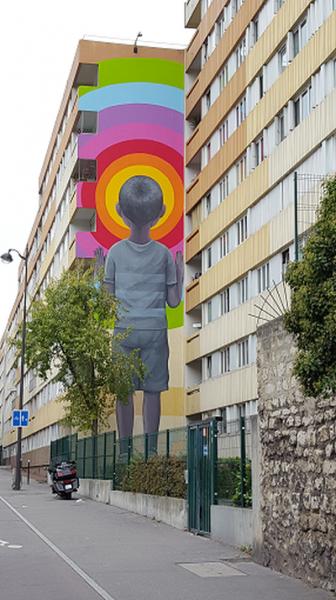 Bambin en short : Fresque de 2016 dans le 13ème à Paris